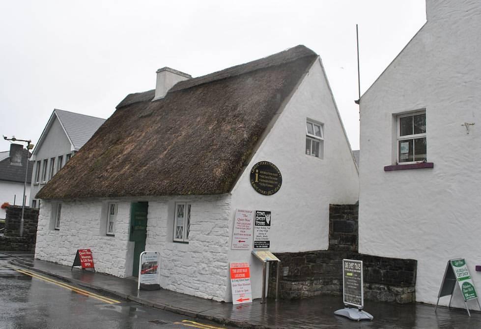10 Days UK|Ireland UNESCO Tours London Kent Avebury Wiltshire Bath Cotswolds AONB Oxford Dublin Meath Ulster Antrim Galway