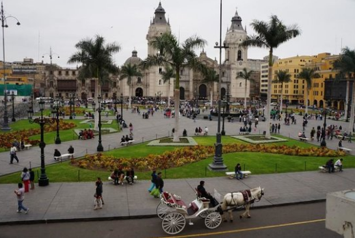 Main square(Plaza de Armas)