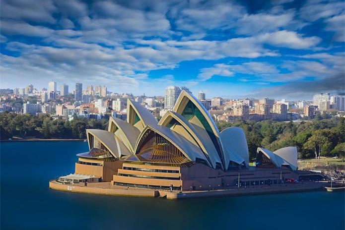 12 Sydney Brisbane Dolphin Island Hamilton Melbourne Tour