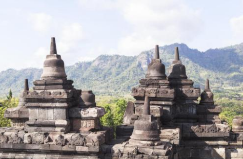 4 days Jakarta Yogyakarta tour