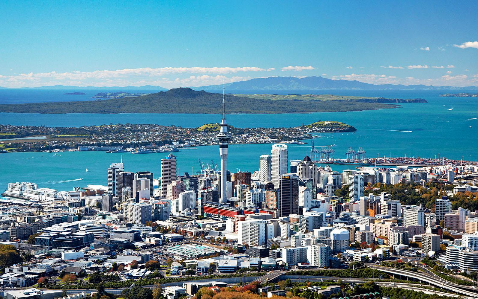 4 days Wellington Abel Tasman Auckland Rotorua tour