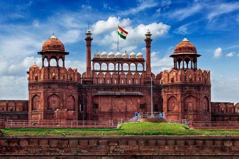 18 days India Delhi Mandawa Jaisalmer Jodhpur Udaipur Pushkar Jaipur Agra Varanasi tour